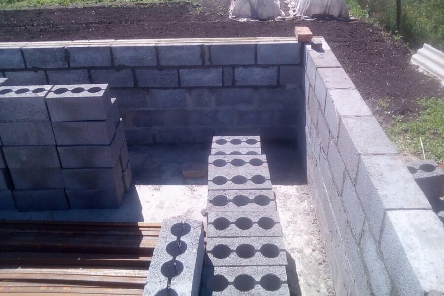 строительство домов в пол блока используем блок керамзитобетонный М75