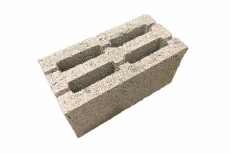 керамзитобетонный блок стандарт для устройства стен, универсальный, вес 15 кг, прочность М50, подходит для строительства домов постоянного проживания, требует утепления 50-100мм.